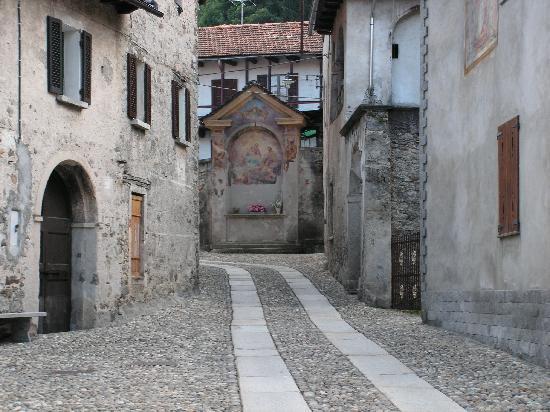 B&B Albatros: Le village de Madonna del Sasso
