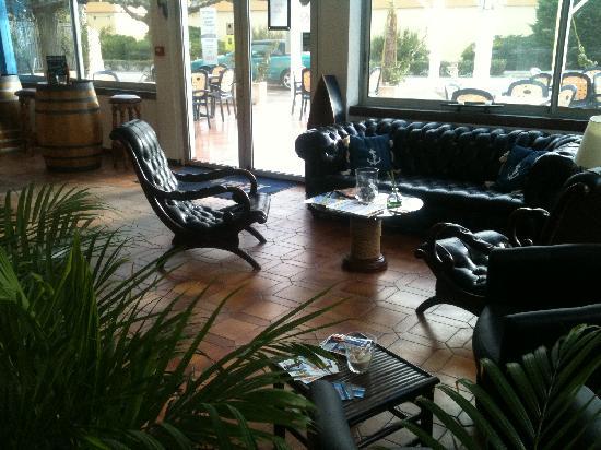 Hotel de la Mer: .