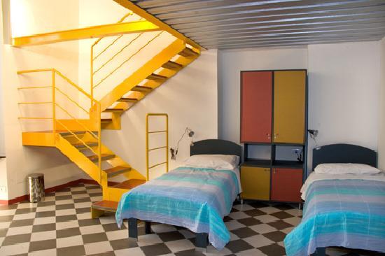 Ufficio Moderno Portici : Gran bel posto recensioni su fabric hostel club portici