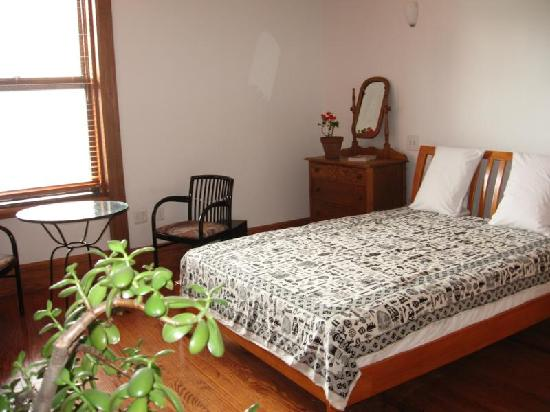 Easyliving-harlem: Double Room with shared Bath