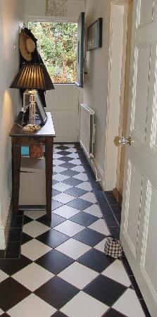 Vine Cottage B&B: Hallway