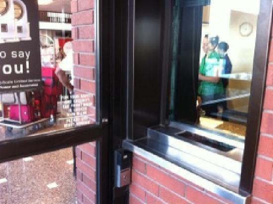 Drury Inn St. Louis Airport : Bullet Proof Glass