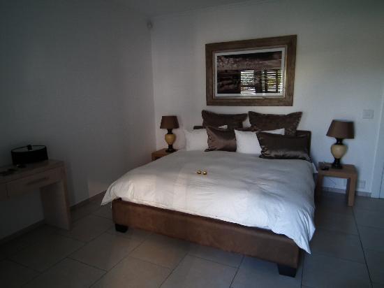 Cambalala: bedroom