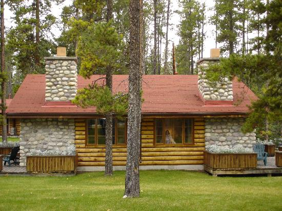 Alpine Village Cabin Resort - Jasper: Cabin H & G