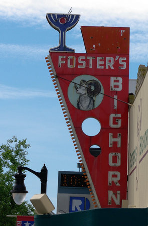 Rio Vista, CA: Phot of the cool Retro Sign