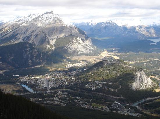 Banff Gondola: View of all of Banff