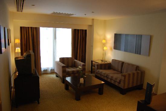 โรงแรมเลอบัว สเตททาว์เวอร์: The living room.