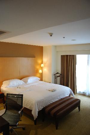 โรงแรมเลอบัว สเตททาว์เวอร์: The bedroom.