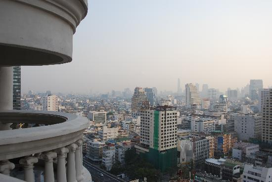 lebua at State Tower: View from one of the balconies.