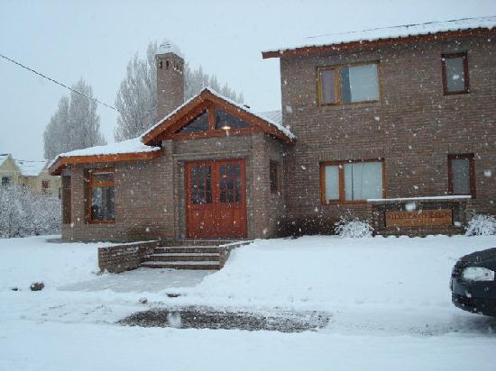 Miyazato Inn : Día nevado en el Calafate - Martes 17 de agosto de 2010