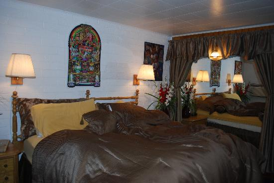 Seligman, AZ: Las Vegas Room (honeymoon suite)