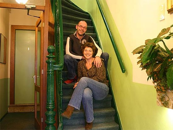 Freeland Hotel: Pascale and Rick welcome you to Hotel Freeland