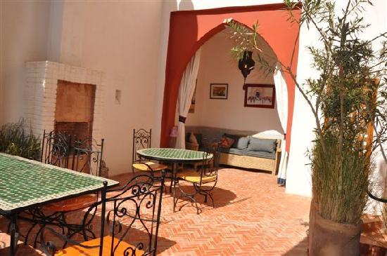 Riad Tafilag : Terrasse au soleil