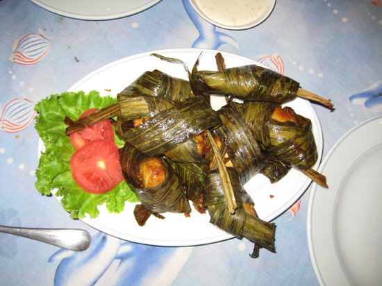 Red Onion : chicken in banana leaves was amazing