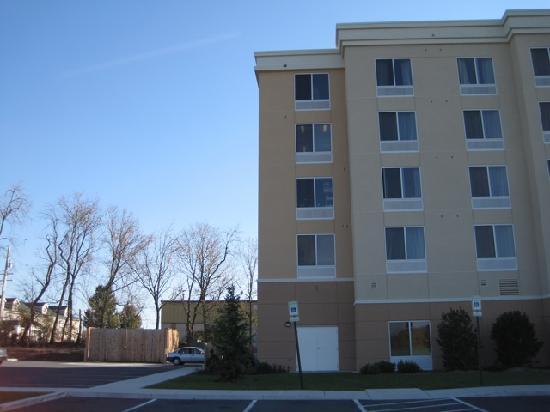 Fairfield Inn & Suites Carlisle: Hotelgebäude von aussen