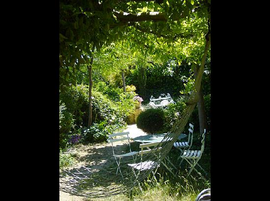 La Charlotte Aix en Provence : AMBIANCE JARDIN