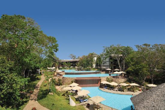 Baobab Beach Resort & Spa: Three Tier Pool at Maridadi