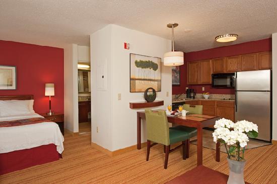 Residence Inn Grand Rapids West: Studio Suite