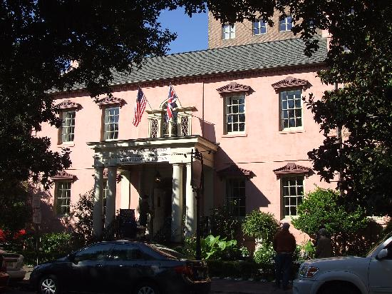 Planters Inn on Reynolds Square : The Old Pink House--next door to Planter's Inn--nice restaurant/great lounge