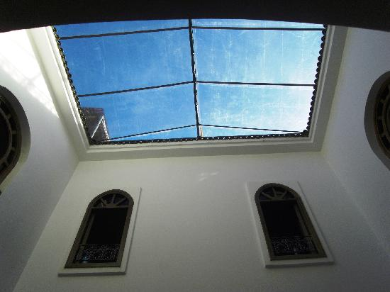 Riad Sesame: vue sur un toit ouvert mais couvert