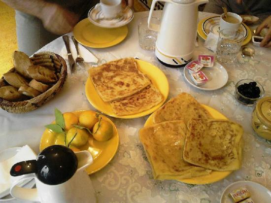 Riad Sesame: petite dejeuner copieux