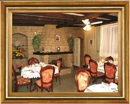 Clare Ellen Guest House: Dinning room