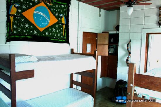 Pousada Tribo Ubatuba Hostel: 4 and 6 beds dorm ensuite