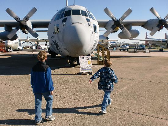 Air Mobility Command Museum: C-130