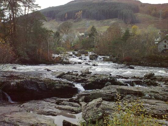Wester Lix Cottages: Falls of dochart Killin