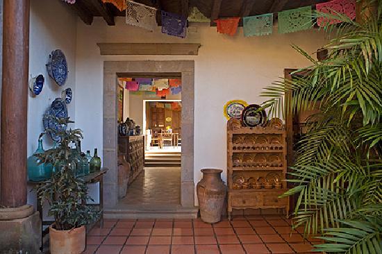 El Refugio en Patzcuaro: First patio
