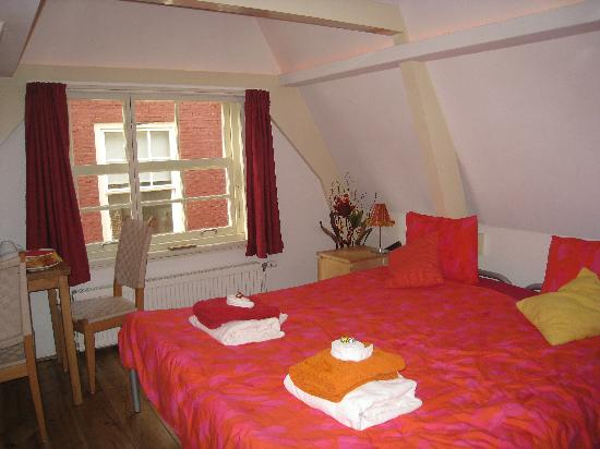 CityCenter Bed and Breakfast Amsterdam: 部屋