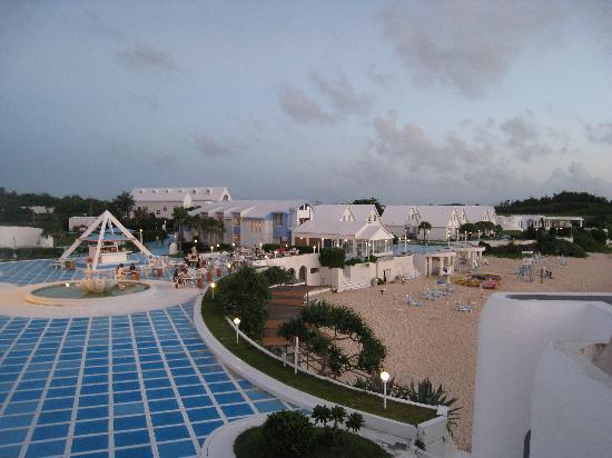 大島郡与論町, 鹿児島県, レストランとプライベートビーチ側