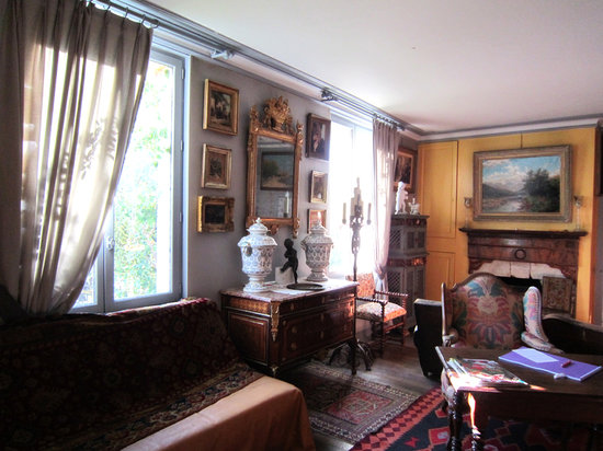 Le Vieux Vauvert : Private room with computer