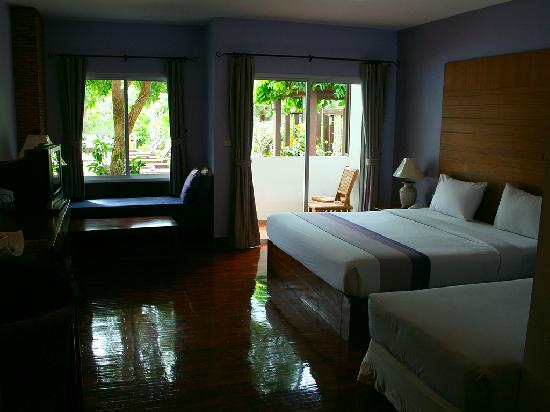 Sea Orchid: A standard room with direct access to the pool.