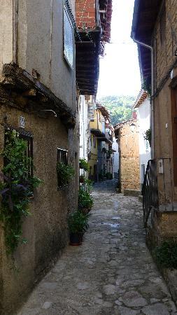 Guijo de Santa Bárbara, España: Smalle straatjes