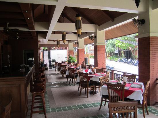 Sun Hill Hotel: Restaurant