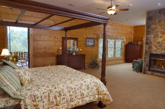 House Mountain Inn: Blue Ridge Mountain Suite