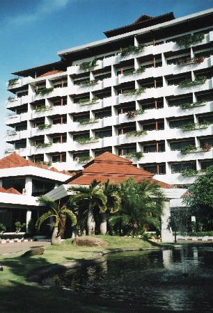 Nongkhai Grand Hotel: Hotel Exterior