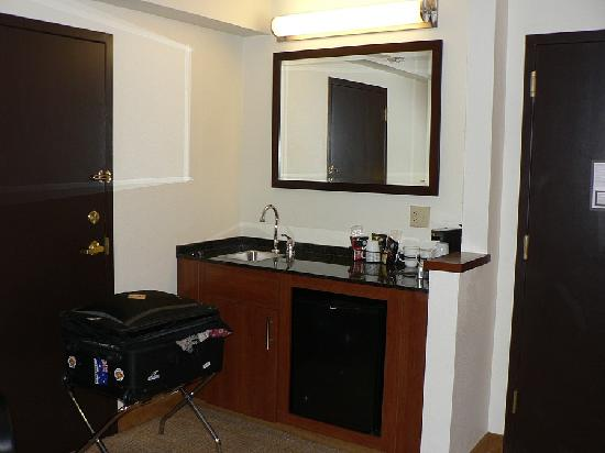 Hyatt Place Colorado Springs: Wet Bar