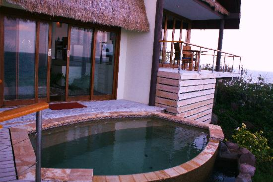 Royal Davui Island Resort, Fiji: Private jacuzzi plunge pool on balcony