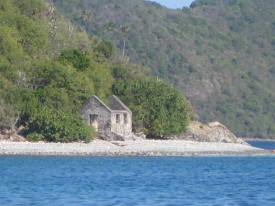 Whistling Cay: Island from boat