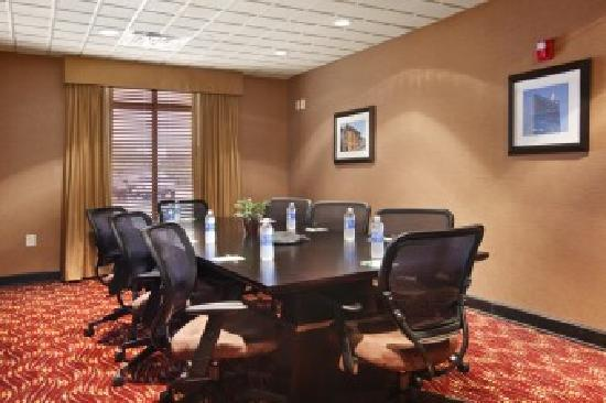 Wingate by Wyndham State Arena Raleigh/Cary: Executive Board Room seats 10