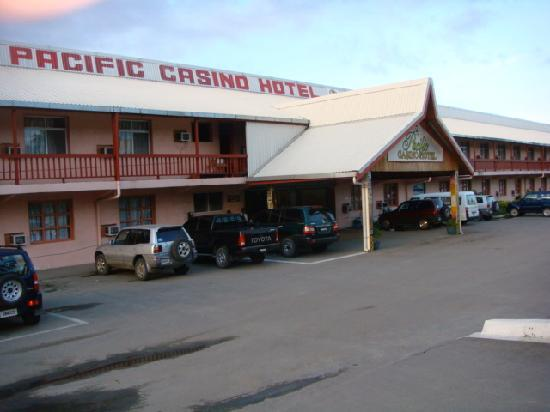 Pacific Casino Hotel: entrance to hotel