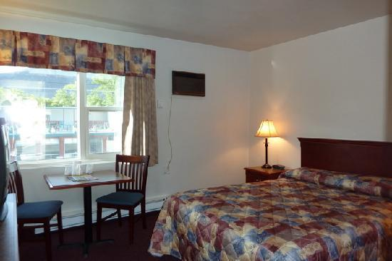 Scott's Inn and Restaurant - Kamloops: The room