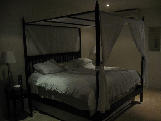 Hotel Secreto: The bed is very comfortable.