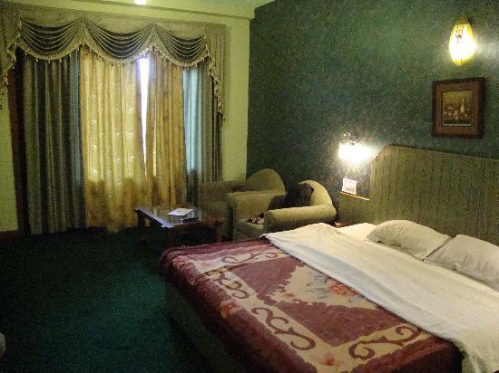 The Royal Regency: Room Snap 2