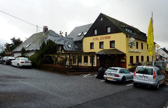 Hotel zur Burg: The main hotel / restaurant building