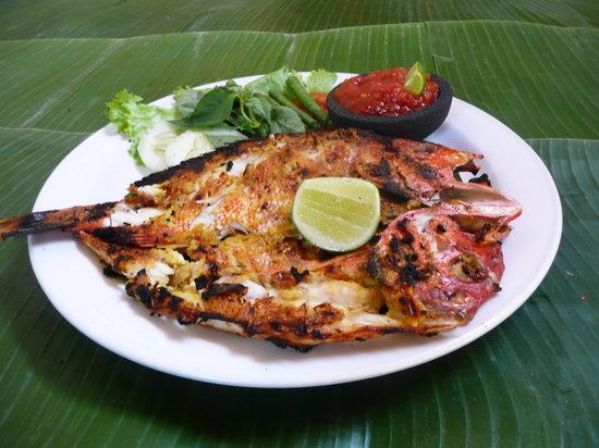Kafe Batan Waru : Grilled fish Bali-style