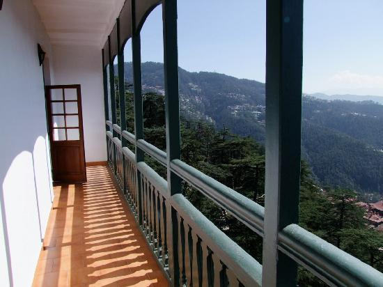 The Oberoi Cecil, Shimla: Suite 311, balcony