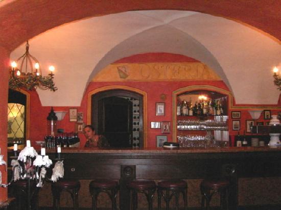 Landhotel Hirsch: Teilansicht Restaurant / Bar